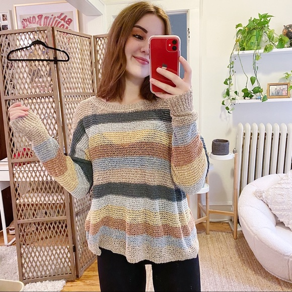 SOLD 💛 Knox Rose Sweater